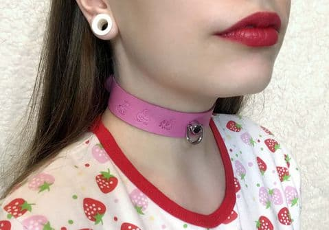 Pink Leather Doggie Stamped  Collar and Leash (EK335)