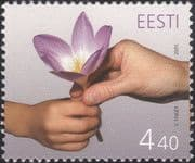 Estonia 2005 Mothers Day/ Crocus/ Flowers/ Greetings/ Plants/ Hands 1v (ee1242)