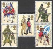 GB 1983 Uniforms  /  Military  /  Army  /  Flags  /  Weapons 5v n27087