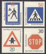 Germany 1971 Traffic Signs  /  Motoring  /  Transport  /  Road Safety 4v set (n37074)