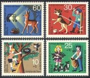Germany 1972 Animals  /  Nature  /  Dog  /  Cats  /  Hedgehog  /  Deer  /  Welfare 4v set n(28281)
