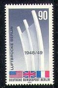 Germany 1974 Airlift  /  WWII  /  Aviation  /  Air Bridge 1v n28278