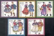 Germany 1993 Traditional Costumes/ Welfare Fund/ Clothes/ Clothing/ Textiles/ Design 5v set (n21880)