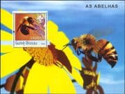 Guinea-Bissau 2003  Bees/ Flowers/ Insects/ Nature/ Wildlife/ Scouts/ Bee 1v m/s (n12307a)