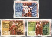 Russia 1983 Farming/ Cattle/ Cows/ Tractors/ Apples/ Wheat/ Crops/ Fruit/ Food 3v set (n17865)