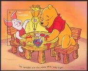 Turks & Caicos 1996 Disney Winnie the Pooh  /  Bear  /  Piglet  /  Animation m  /  s b1084