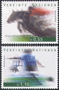 UN (V) 2005 Sports  /  Games  /  Horses  /  Show Jumping  /  Football  /  Soccer 2v set (n35074)