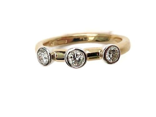 18ct Yellow Gold Trilogy Diamond Ring