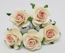 BABY PINK CENTER WHITE ROSES (2.5 cm) Mulberry Paper Roses