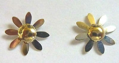 9ct Gold Two Tone Flower Stud Earring                                     A60108