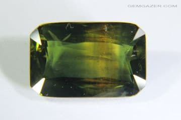 Bi-colour Sapphire, green and yellow, faceted, Thailand. 3.45 carats.