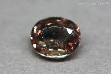 Champagne to red colour-change Garnet, faceted, Tanzania. 1.36 carats.