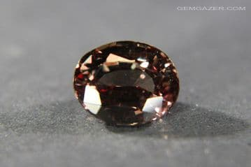 Colour change Garnet, purple-yellow to red, faceted. Tanzania. 3.10 carats. (See Video)