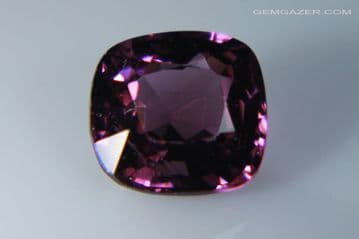 Spinel, pinkish-purple faceted, Myanmar. 1.20 carats.