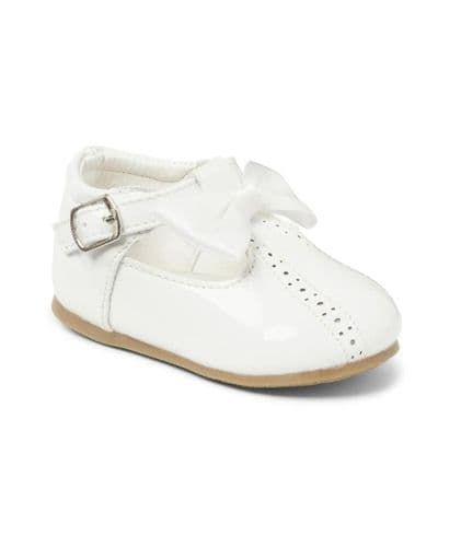 White Open Work Hard Sole Shoes with Bow Detail