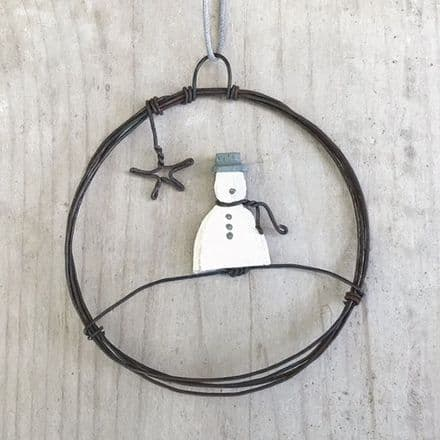 East of India Rusty Wire Snowman Wreath Small